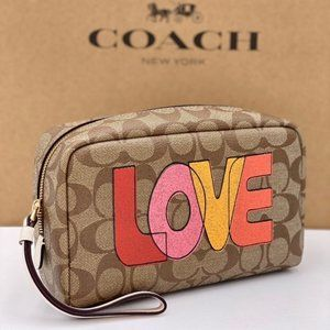 COACH BOXY COSMETIC CASE WITH LOVE PRINT